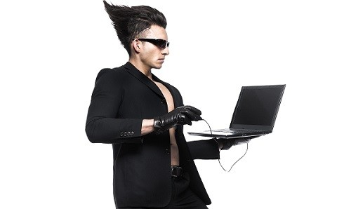 【その節電、間違ってる!?】電気代が高くなるパソコンの使い方