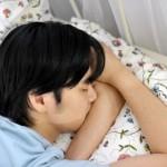 【仰向けが正しい寝方じゃない!?】一瞬で眠くなる姿勢はこれ!