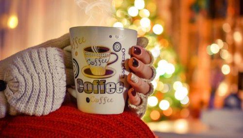 【飲み物で冬の寒さ対策】ホットの缶コーヒーは体を冷やす
