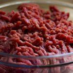 ひき肉の保存期間が1ヶ月伸びる!ダブル密閉冷凍保存法