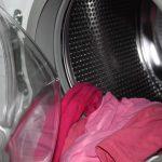 色移りの原因は洗濯機の形!塩タオルで色落ちを防止する方法