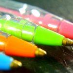 歯磨き粉で叩き落とす!ボールペンのインク別染み抜き洗濯法