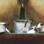 ゴミが油汚れ用洗剤に!揚げ物鍋の油をスッキリ落とす洗い方