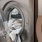 干し忘れて放置した洗濯物が臭い時はスチームアイロン消臭